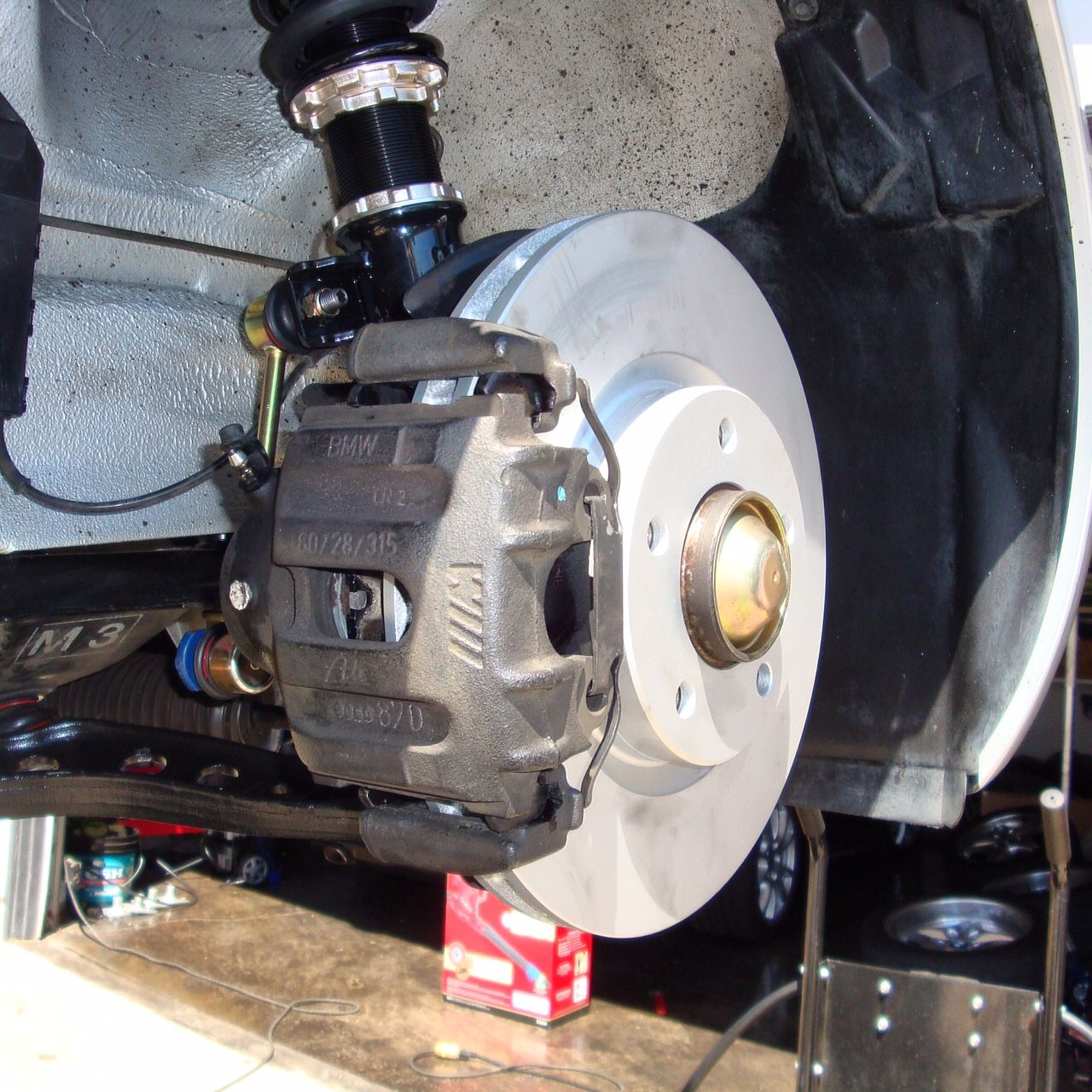 Bmw Z3 Coupe Production Numbers: LC90535 - Part 4: Brake Service